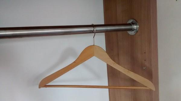 Premium Edelstahl Kleiderstange in Ihrem Wunsch-Maß - Edelstahl V2A D 33,7 mm von 101 - 150 cm